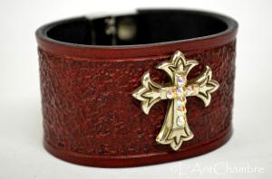 Bracelet-cuir-bordeaux-croix-swarovski1